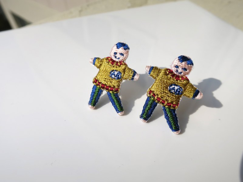 [LineWorkLab] Embroidery dancing boy earrings