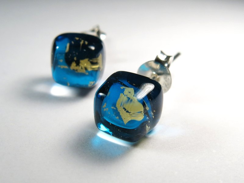 Ice Cube Gold Foil Glazed Silver Ear Pins/Navy Blue