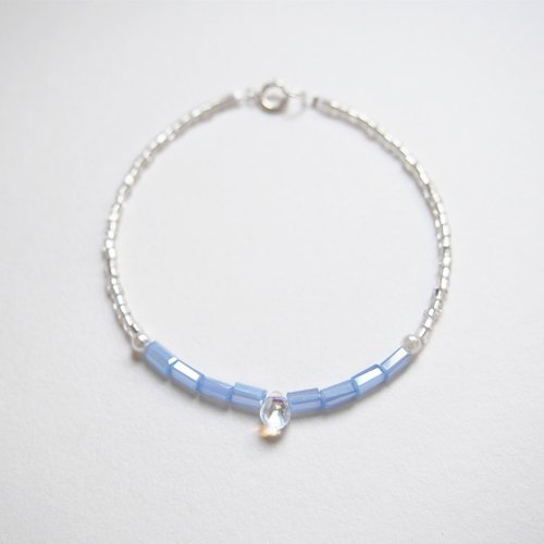 Water droplets through the glass • light blue tube beads • bracelet bracelet • gift