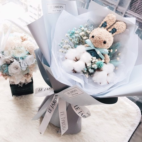 Le Jardin Moss Bunny Cotton Star Dry Bouquet Blue / Valentine's Day Birthday present