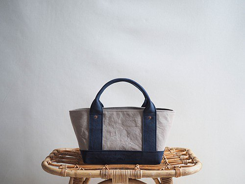 * Made to order * [ARMY DUCK] Tote bag with lid S (gray beige x navy)