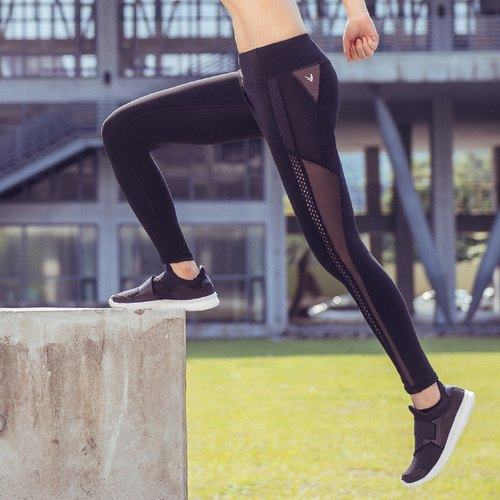 "【MACACA】 -2 ""hip fixed pantyhose pants -ASE7701 black (yoga / jogging / fitness / light exercise)"