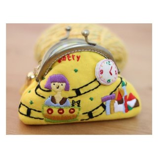Magichands Embroidery Circus Lovely Coinage Gold Bag Gift (Yellow)