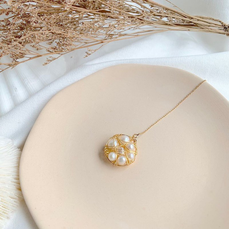 Bird's nest natural pearl ear wire can be hand-made