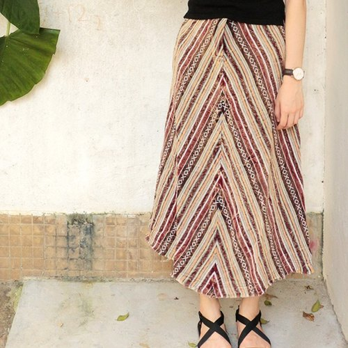 National stone half-length skirt | Crimson Department