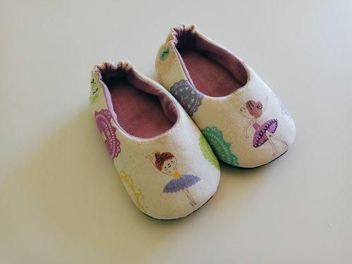 Ballet girl indoor shoes baby shoes shoes 15 cm long (for foot length 13.5 cm) spot