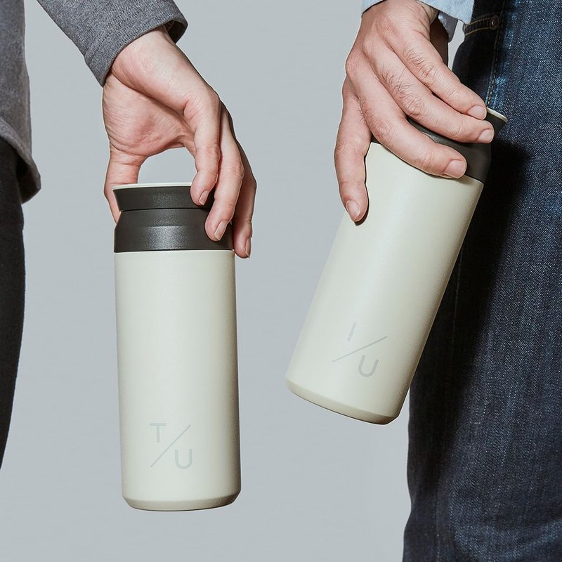 Exclusive- [Value Double Bottles] KINTO Travelling Thermos Bottle 500ml 2 Into the Group