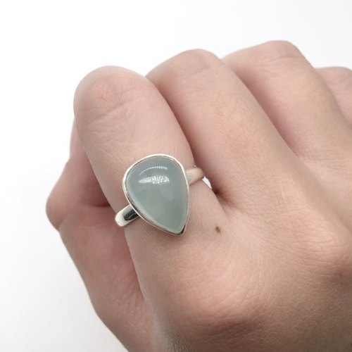 Aquamarine Sapphire Simple Neoprene Ring in Sterling Silver Made in Nepal (Gem Drop)