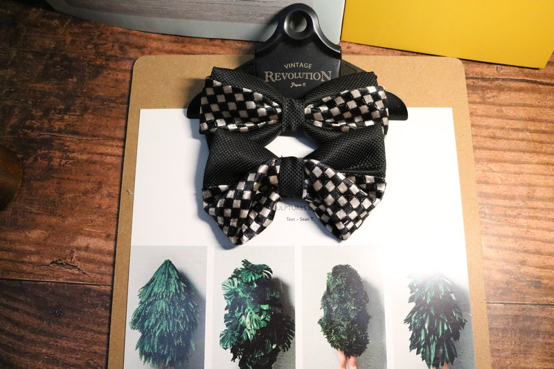 Velvet Plaid dark silk bow tie