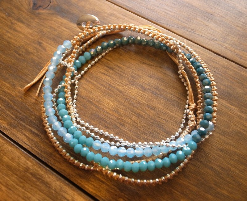 【Grooving the beats】[ Fair Trade] Five Wraps Stones and Silver Beads Fair Trade Bracelet(Blue)