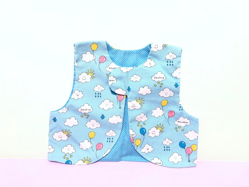 Clouds and balloons. Light blue / baby vest. Double cotton vest outside. Baby vest. Mi Yue gift