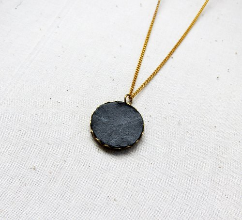 Leather necklace (round)