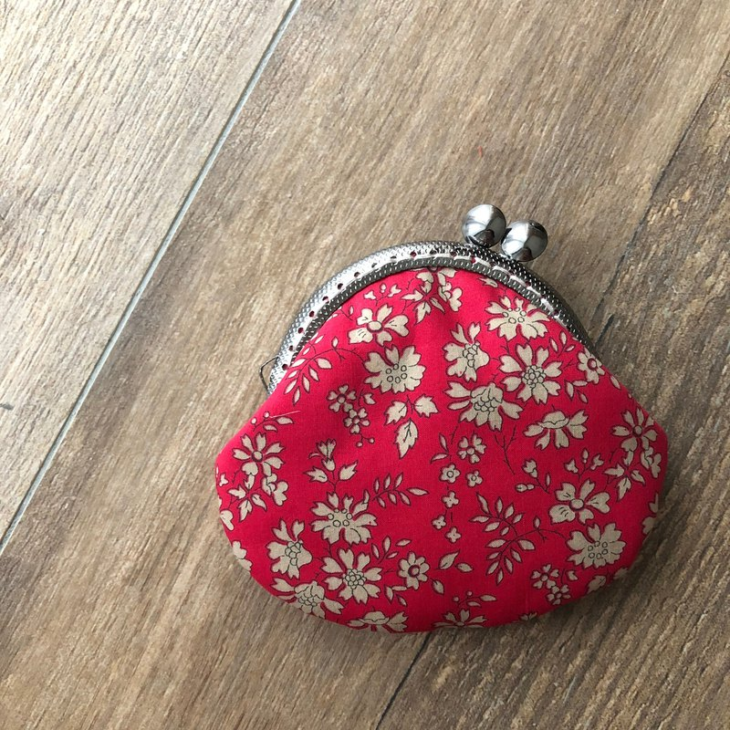 Liberty calico. Crooked flirtatious red coin purse