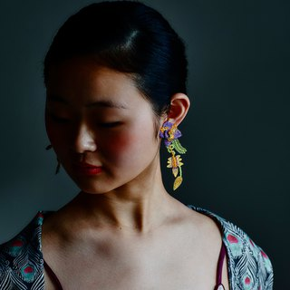ARRO / Embroidery Earrings / Garden purple