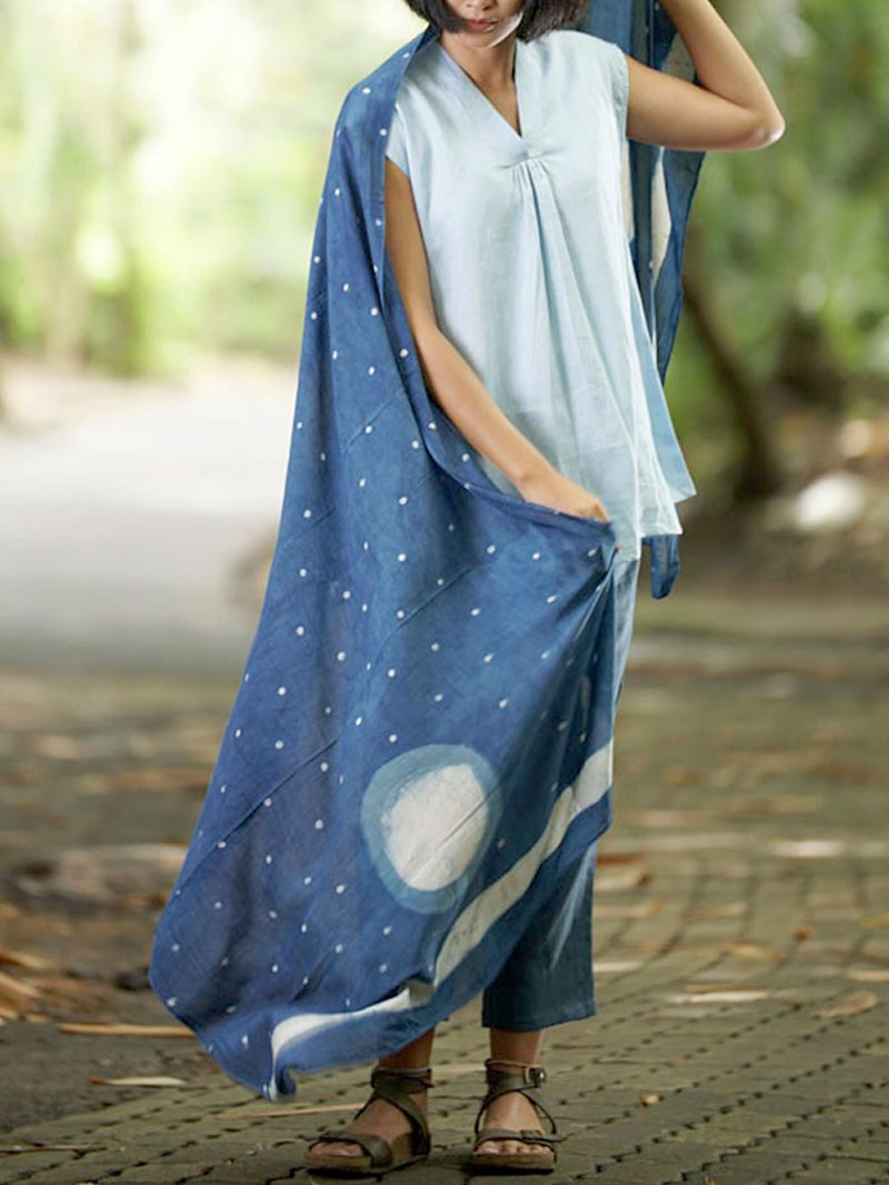 INDIGO SILK SCARF MOON PATTREN
