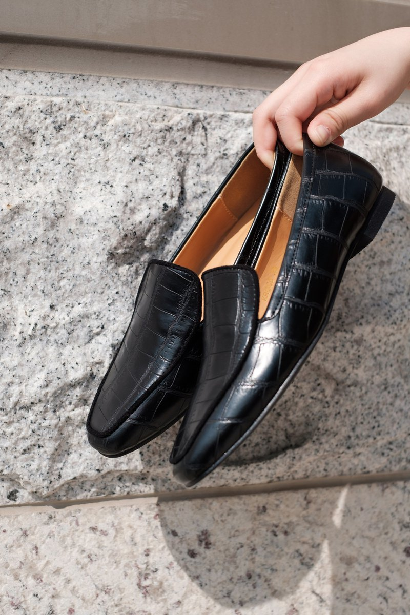 Croa leather pattern loafer shoes-black
