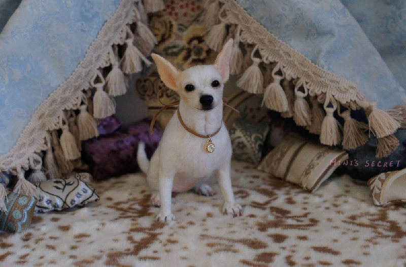 MINI'S SECRET ~ wool felt high realistic simulation engraved pet dogs (Chihuahua impressions)