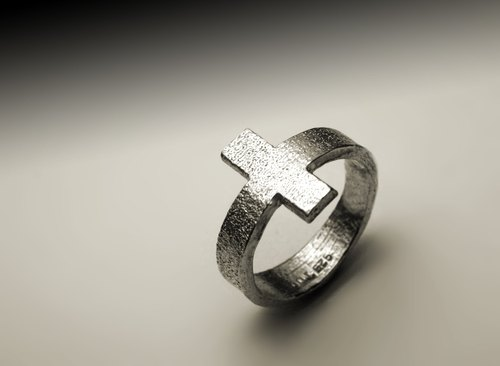 Texture cross silver ring