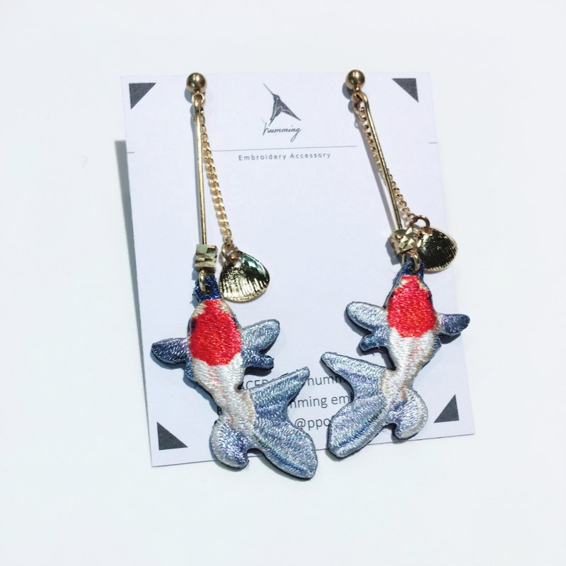 humming-Embroidery earrings / Oranda with Red Cap