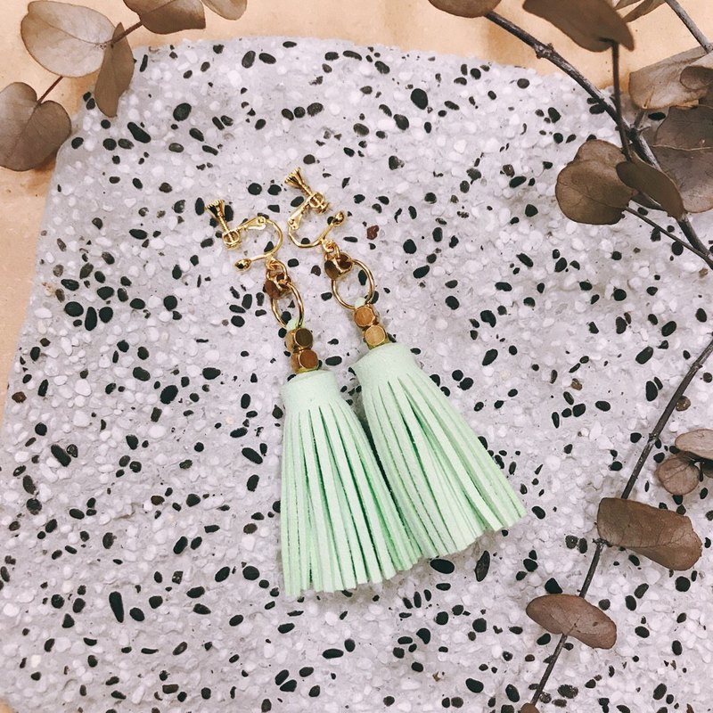 Tassel earrings / soda pops