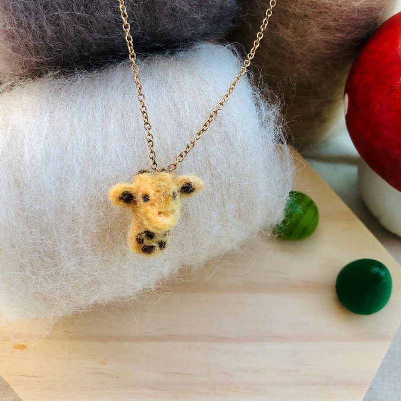 Sea Made Animal Series ♥ Mr. giraffe necklace clavicle necklace cute wool felt