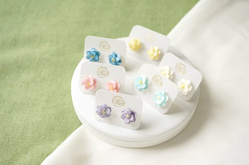 =Flower Piping= Camellia Earrings/Clip on Customizable
