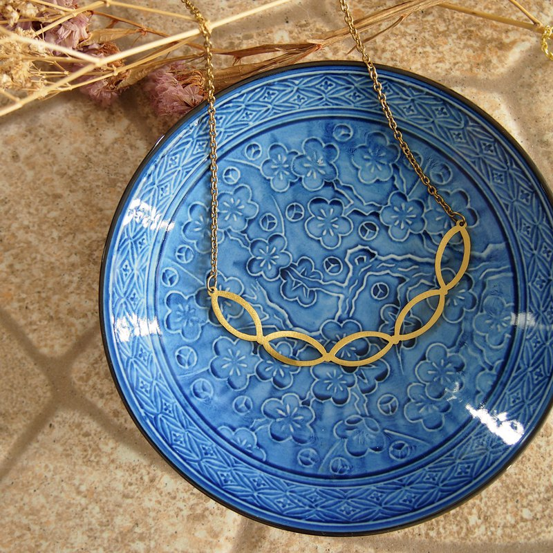 Abstract 01 necklace natural brass color