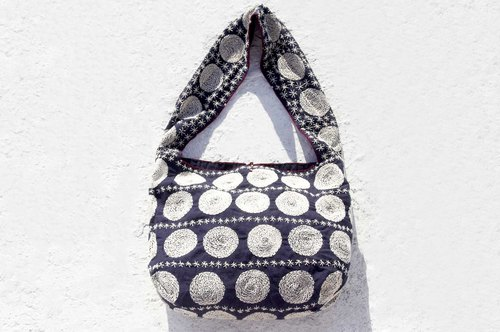 Birthday gift mothers day gift limited a piece of hand-stitched cotton cloth side backpack / embroidery cross-body bag / hand embroidery shoulder bag / hand-stitched blue dyed / indigo hand made package - blue dye indigo geometric Milky Way