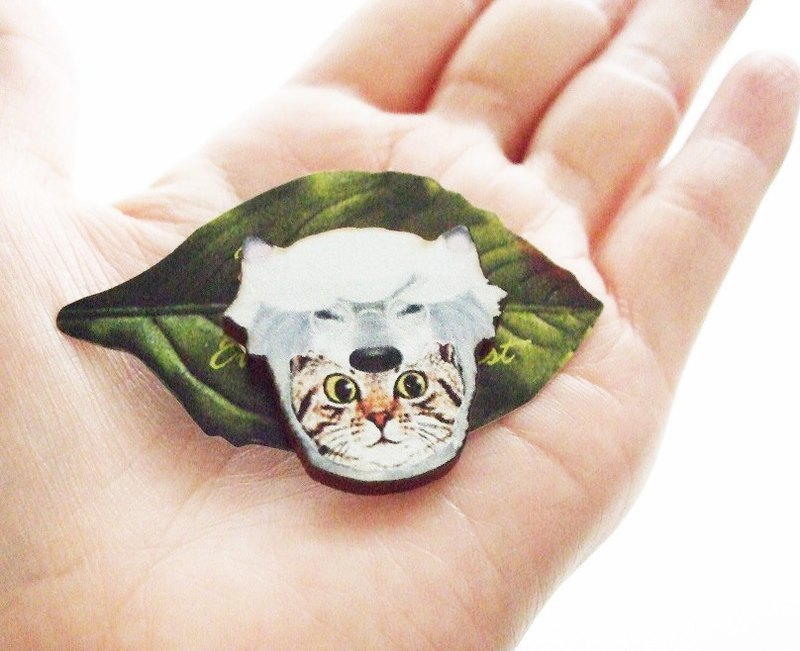 wolf cat brooch
