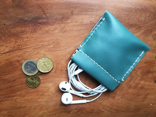 Hand sewn lake blue sheepskin pressure-type coin purse / earphone bag
