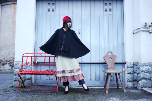 F3086 [Vintage jacket] Cape Coat in Navy blue and dark red checkered fine wool shawl jacket to wear double-sided
