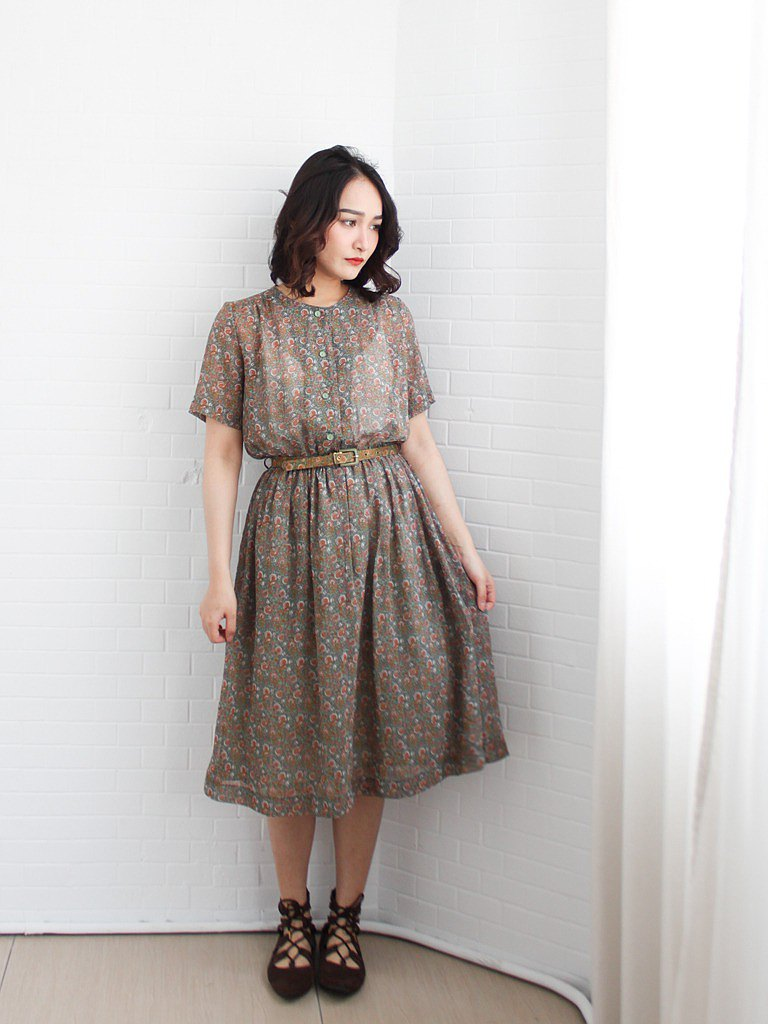 Retro early summer system Japanese temperament elegant small floral totem green short-sleeved vintage dress
