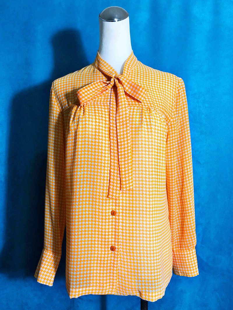 Houndstooth bow tie long sleeve vintage shirt / bring back VINTAGE abroad