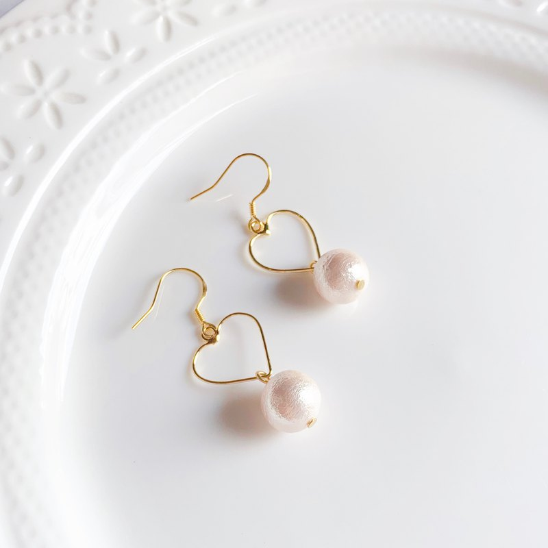 Cotton pearl simple love earrings cotton pearl