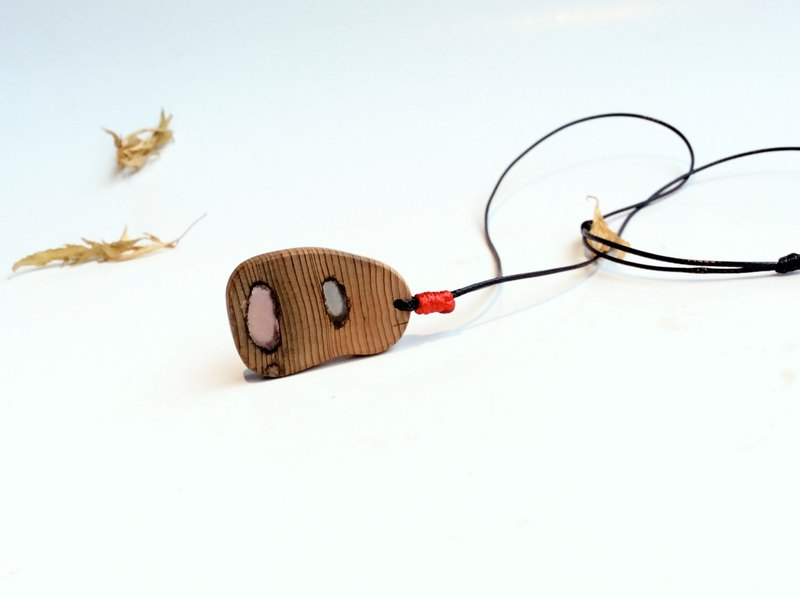 Color mood ~ red oak hand made necklace