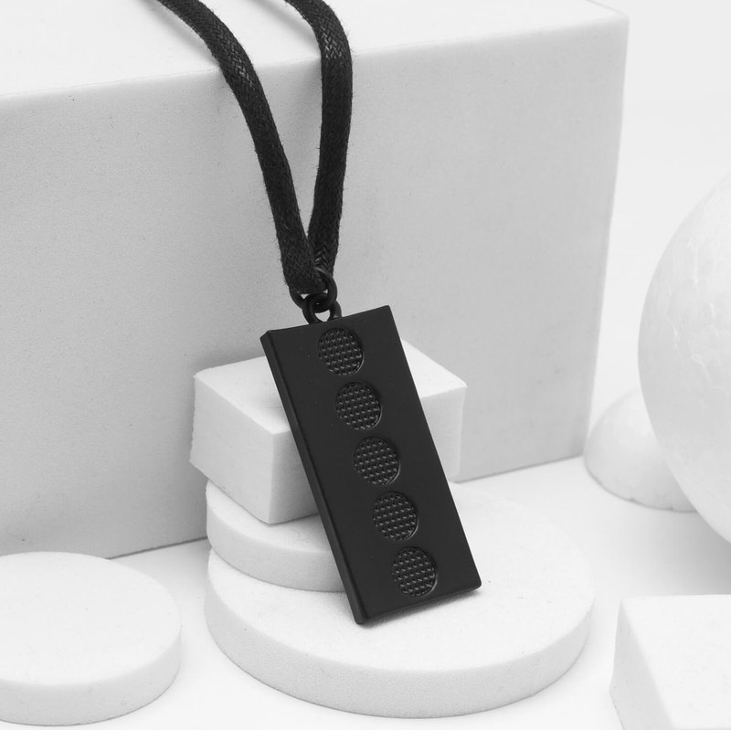 Recovery Perspective Mesh Necklace (Black)