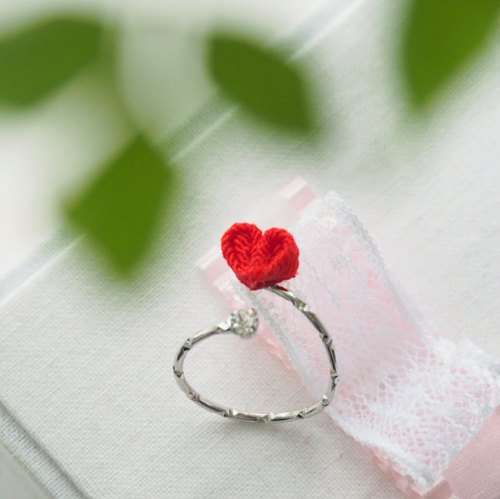 [Love myself] Red love crystal adjustable ring zu ma late fine workmanship: Japanese wind handmade cloth flowers