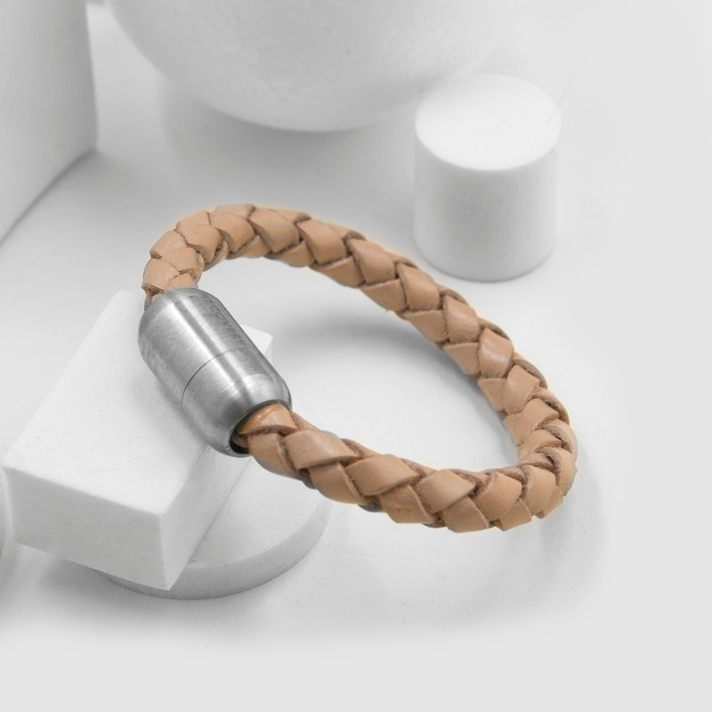 Magnetic buckle braided bracelet (raw leather)