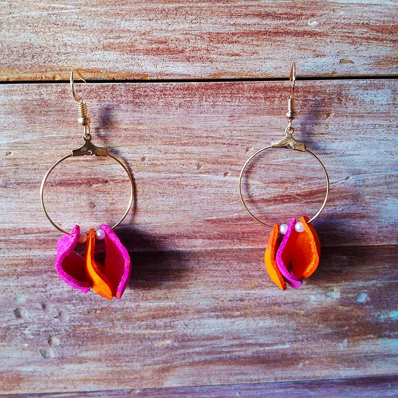 Petal earrings orange pink pearl large round changeable clip-on leather Kai handmade leather