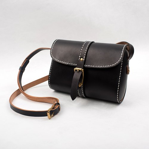 【Tangentialism】 leather handmade retro buckle-style handbag shoulder mini small square bag female students bag Messenger bag hand-dyed black
