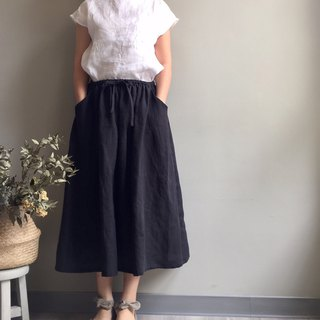 #黑松露Black linen in a long skirt