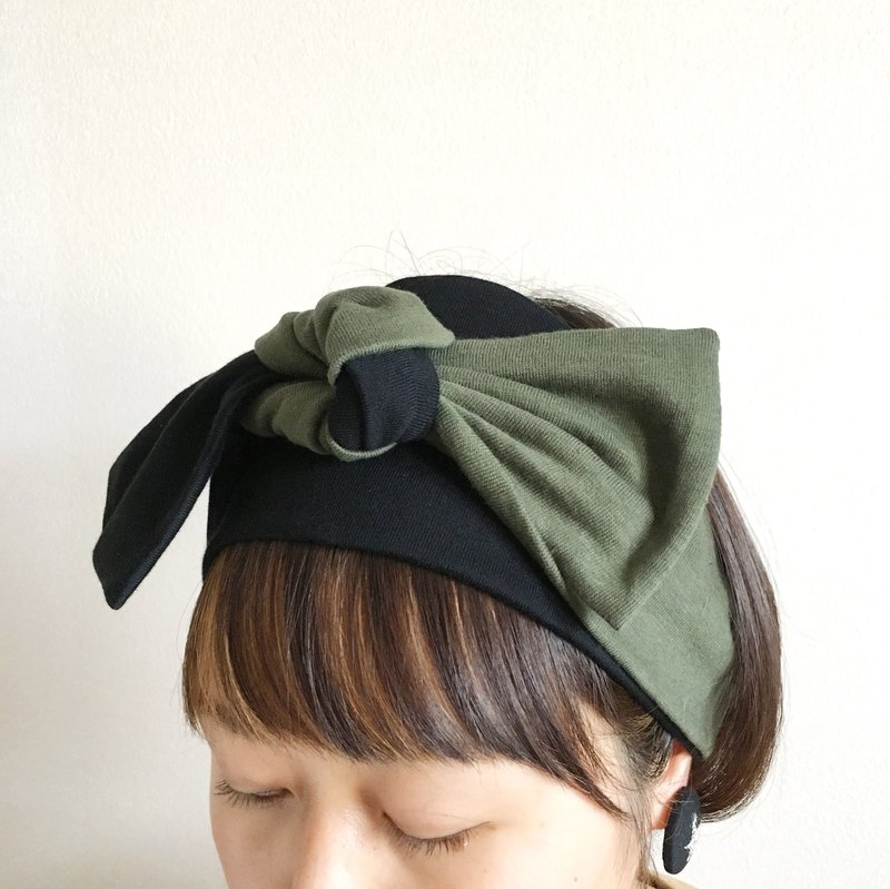 ribbon hair band  Tshirt Black × khaki