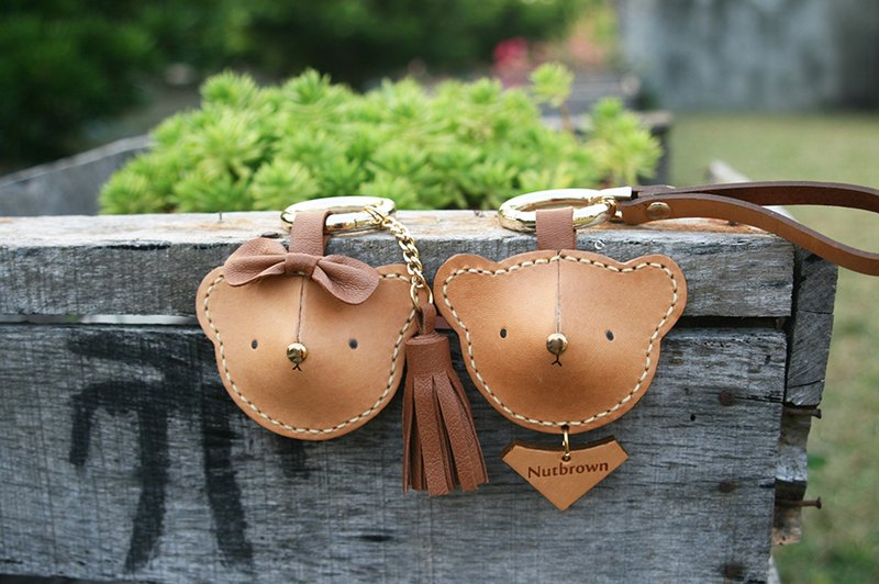 Handmade leather - couple Bear keychain (single) / can be printed English name