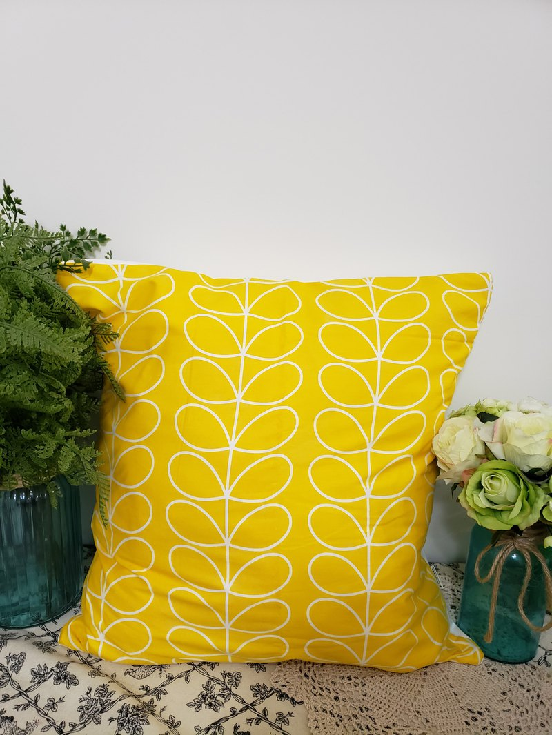 Scandinavian style simple yellow flower pattern pillow/pillow