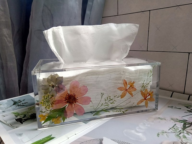 Plastic Acrylic tissue box cover, tissue box  with pressed flowers