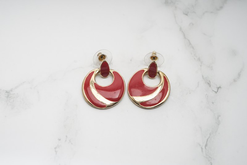 [Antique jewelry / Western old things] VINTAGE red eye-catching retro style vintage needle earrings
