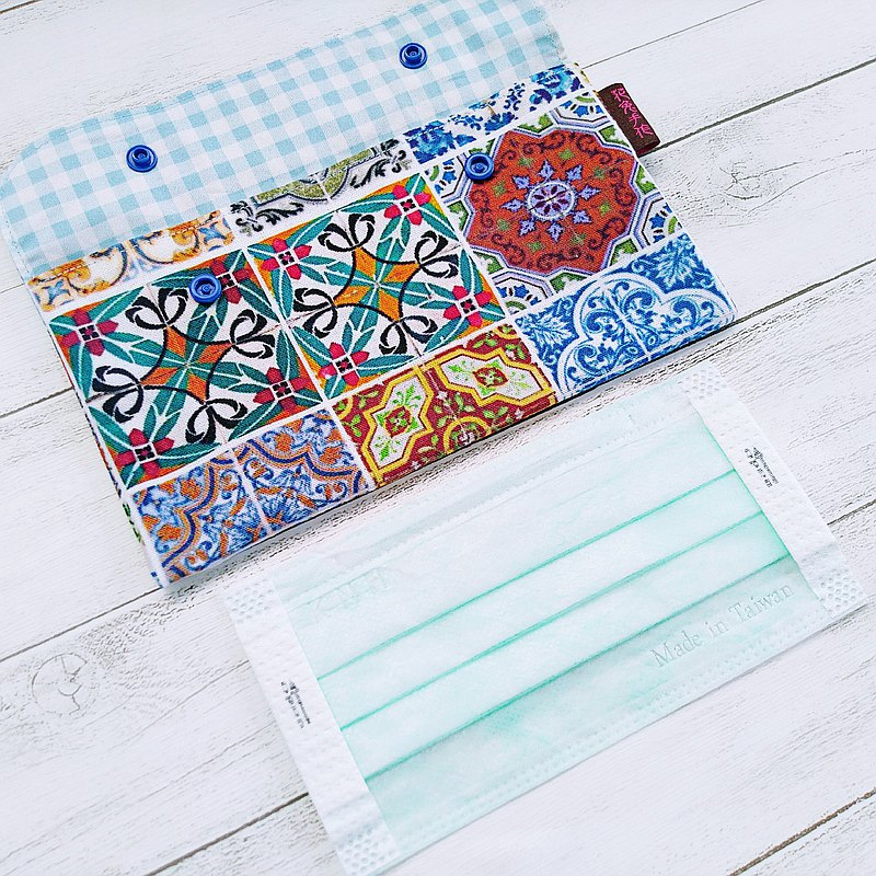 Blue ceramic tile thick cotton cloth mask storage bag sanitary cotton bag