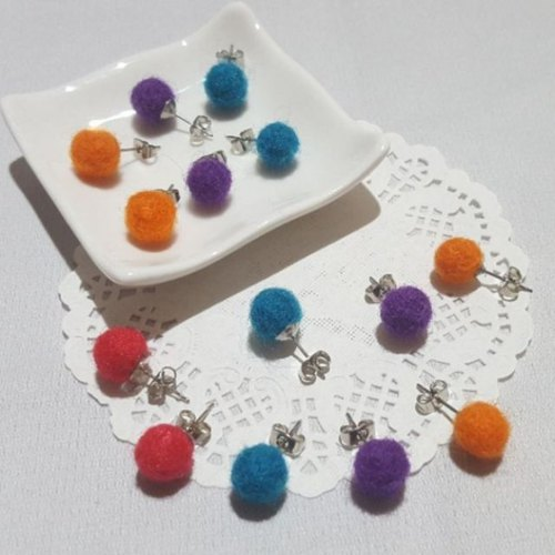 Solid color. 【Small wool ball】 - Ear paste anti-allergy earrings / ear needle