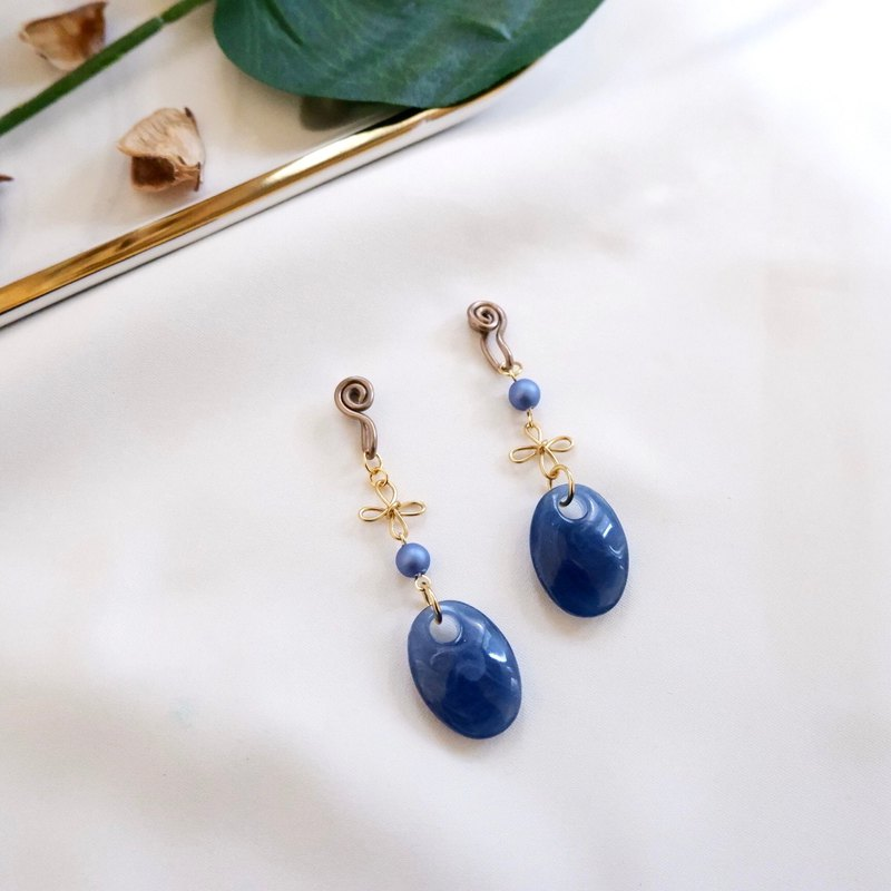 Kichijoji Women's Ear Cuff Earrings / indigo