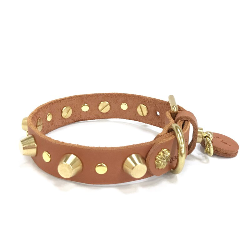 Croco Pattern Leather Collar with Pyramid Studs
